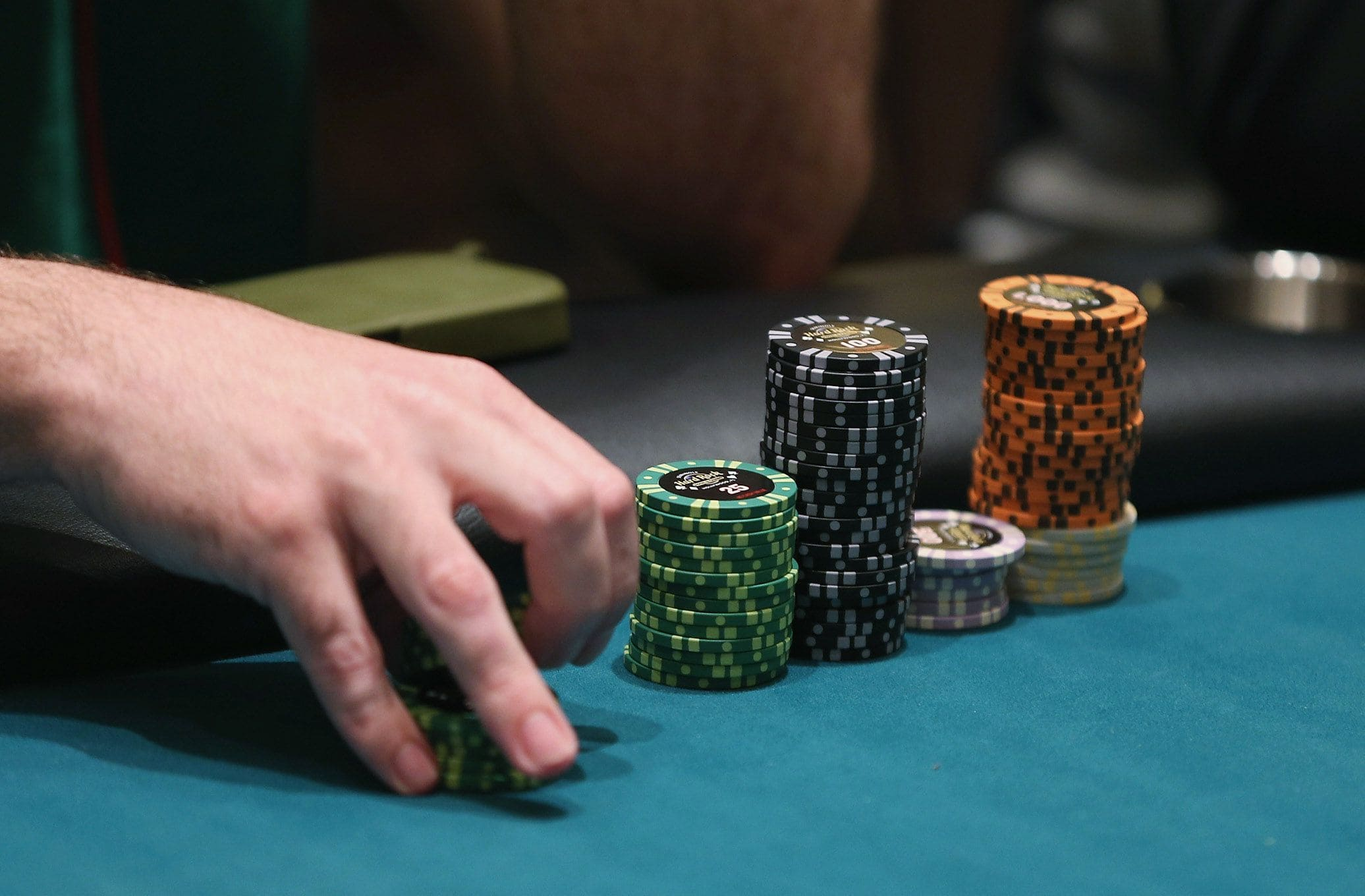 5 Causes of the Defeat of Online Poker Gambling Players