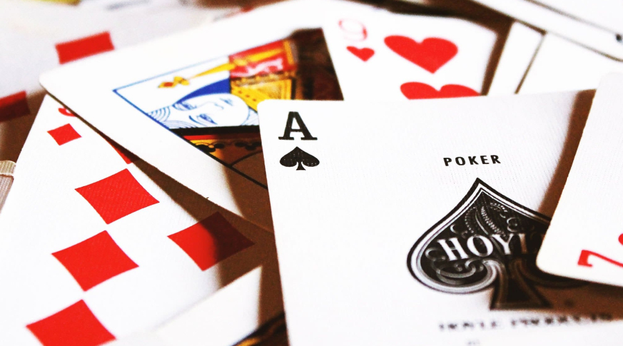 Don't Hesitate Again Trying to Play Online Poker Gambling