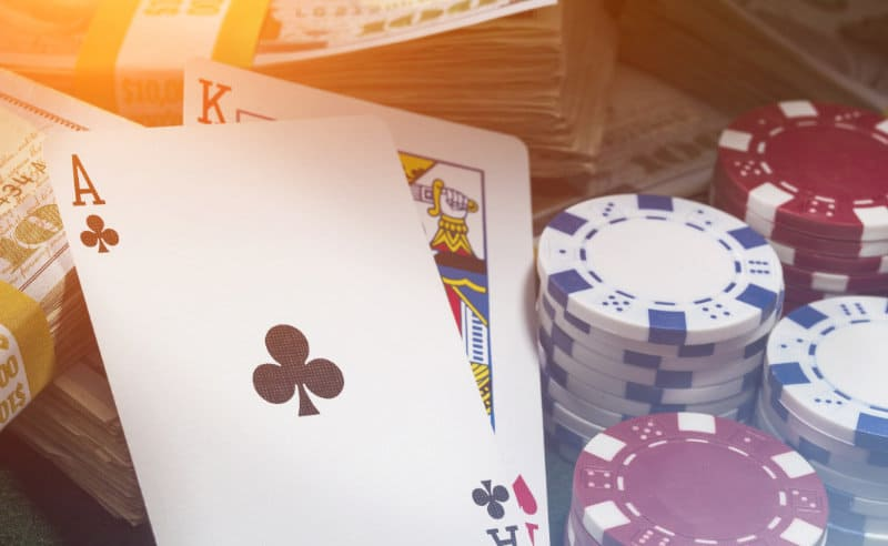 How to cheat opponents when playing online poker