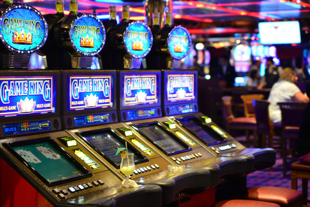 How to quickly get money from playing online slot games