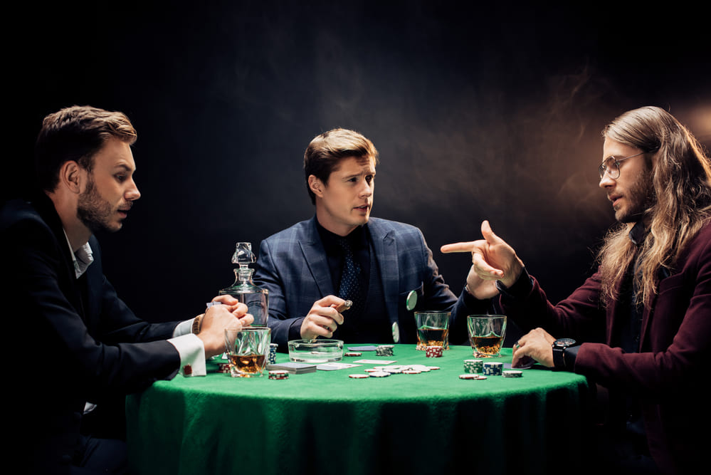 Playing online poker with swearing tactics for opponents to play