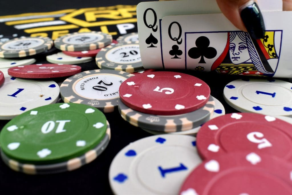 Poker Gambling Site Games Provide Games That Are Played
