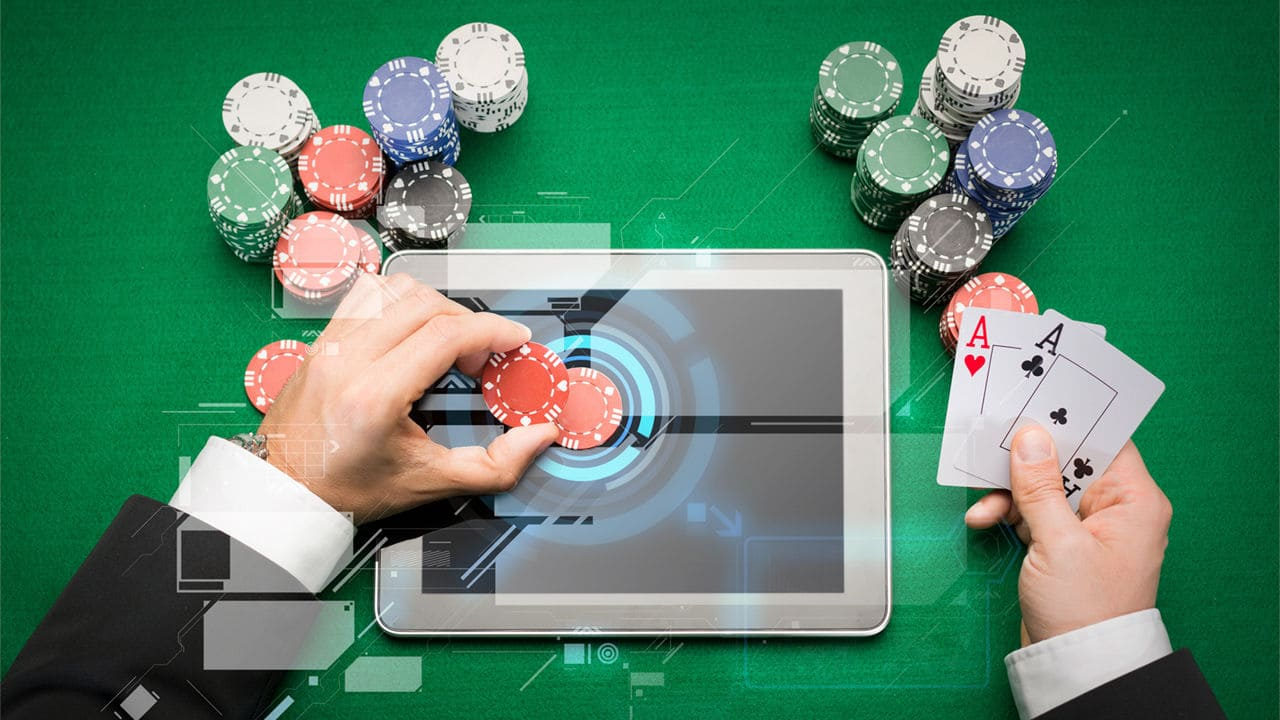 The Correct Method When Playing Online Poker Games